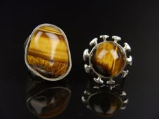 2 solid silver women's ring with a tiger's eye.