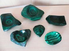 Lot of large green Malachite pieces - 3800 grams  (6)