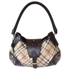 Burberry – Hackford Hobo shoulder bag.