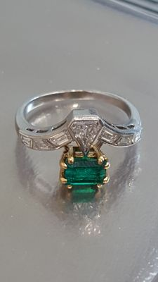 Two-tone gold ring with emerald and diamonds Signed by Maison Cirio (Turin)