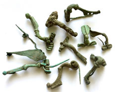 Collection of 10 Ancient Roman bronze decorated fibulae - 23mm-43mm  (10)