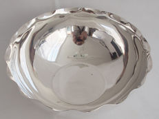 Large Silver Plated Salad Bowl By Christofle Hotel Presented by Dubai Radio & TV Station c. 1935 - 1982
