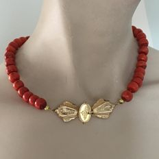 Red coral necklace with gold clasp - 1885