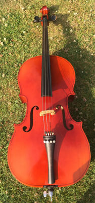 Early 1970s 3/4 Size Tatra Cello with soft case