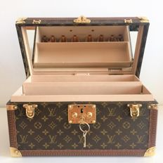 Louis Vuitton – Boite Bouteille & Glace – Travel beauty case