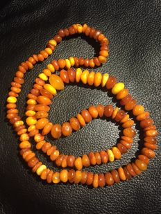 Antique Amber necklace of 100% natural Amber, 39.29 grams
