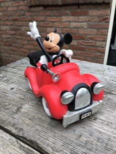 Disney, Walt - Statue - Mickey Mouse Driving His Car