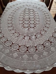 Handmade oval tablecloth - 70's.