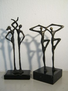 "Corry Ammerlaan van Niekerk - Lot of two sculptures - ""Binding"" & ""Together"""