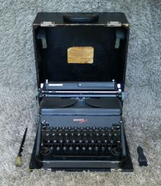 Hermes 2000 - Antique Portable Typewriter - 1945 - Switzerland