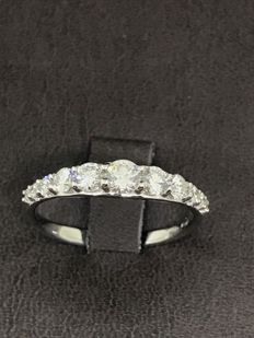 Bibigi 0.8 ct diamond eternity ring in 18 kt white gold - ring size 13