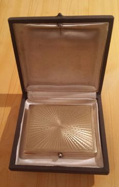 Cigarette cases, card holder with 18 ct yellow gold
