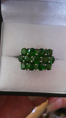 Beautiful and Unique 3.73cts Russian Chrome Diopside coctail ring. Classic.