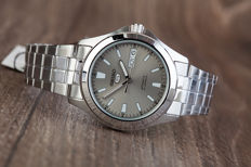 Seiko 5 - men's wristwatch - in new condition.