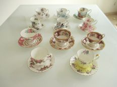 Eleven pieces of English bone China cups and saucers - Royal Albert