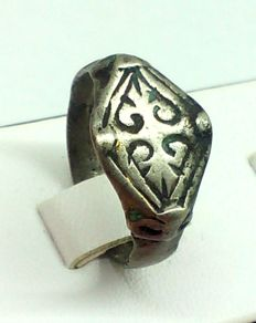 Early medieval silver ring of the Viking, decorated with runes, 19mm 3.87gr
