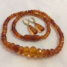 Antique natural Baltic Amber facetted necklace 1920's - 1940s with matching silver Amber earrings , 15,6 grams