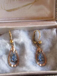"""Dormeuses"" earrings in gold with aquamarine"