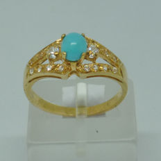 14kt yellow gold Ring with Turquoise and white sapphires - size 52,5