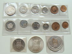 """The Netherlands and Netherlands Antilles - Year sets 1975 (2 pieces) and 2½ Guilder 1972 in plastic strip """"'s Rijksmunt"""" (Dutch Royal Mint) + 10 Guilder 1973 and 1978"""