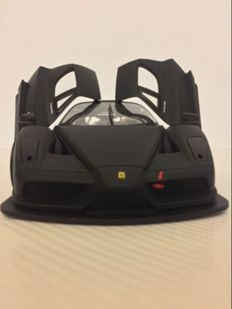 Hot Wheels Elite - Scale 1/18 - Ferrari Enzo - Black Matte