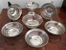 Silver-plated cake dish on foot and  6 cherry dish with open-plan decor, from Kempen and Begeer, mid 20th century