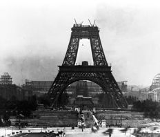 Unknown/Farabola agency - The Eiffel Tower under construction - 1888