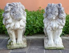Pair os lions of Carrara marble grit - France - 20th-century