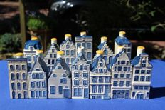 Lot with 13 Delft Blue KLM houses (BOLS)