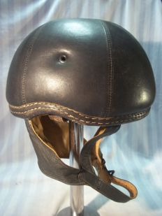Special leather helmet of the motorized unit of the Bundes grenz Schutz, limited production.