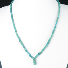 Necklace with Roman turquoise glass beads - 50,5 cm