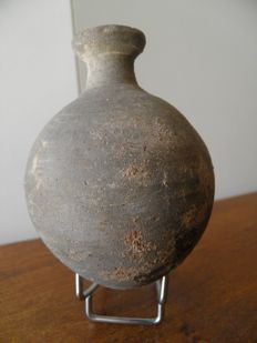 Grey terracotta flask - Gallo-Roman - height 110 mm
