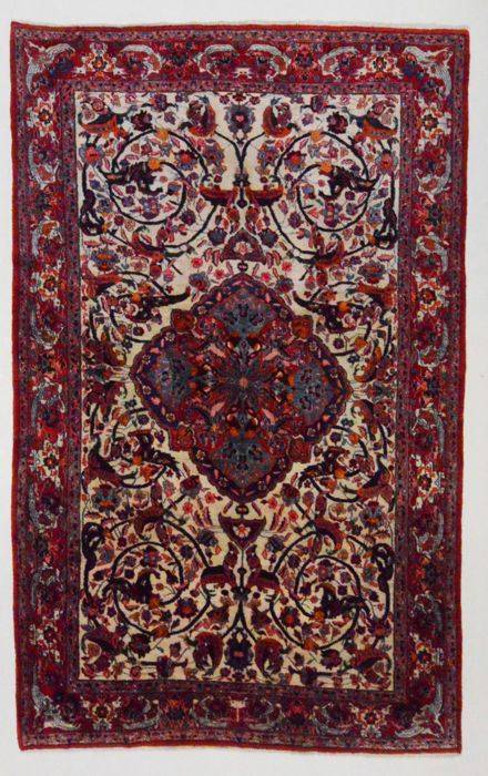 Extremely beautiful and fine Persian carpet, Isfahan Najafabad, 340 x 215 cm