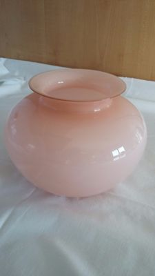 Veart Venezia - pink vase jacketed in the crystal