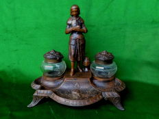 French ink set Joan d'Arc from the 1930s, a patinated zamac object based on early 19th century versions.