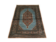 Beautiful Oriental carpet: Tekke Boukhara 186 x 130 cm circa 1970!