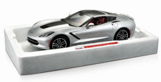 Maisto Exlusive - Scale 1/18 - Corvette Stingray Z51 - Silver