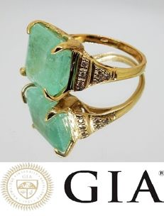 Ring with 10.94 ct emerald and diamonds - GIA certificate.