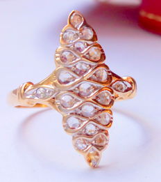 French, 18 kt gold ring with rose diamonds – first half of the 20th century – No reserve.