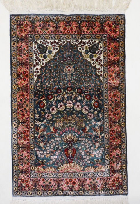 Collector's item, Turkish carpet, Hereke, silk on silk, over 1,000,000  knots per m², 97 x 64 cm.