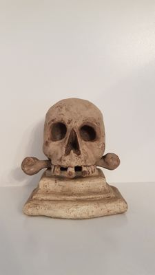 Memento Mori - skull with bone - wood has been carved and mounted - Switzerland - 19th century