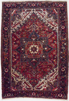 Persian rug, semi antique Heriz - 350 x 250 cm.