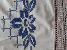 Blue Roses tablecloth - handmade embroidery - Italy 70's.