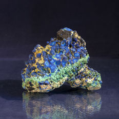 Wonderful Blue Azurite with Green Malachite - Classic American piece - 8 x 7 x 5.5cm - 287gm