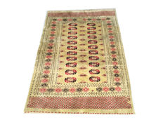 Beautiful Oriental carpet: Tekke Boukhara 190 x 130 cm circa 1970!