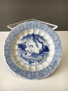 Porcelain dish with erotic scene - China - ca. 1700 ( Kangxi period )