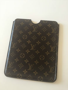 Louis Vuitton – IPad case