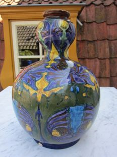 Rozenburg - Large knob vase with iris flower