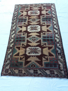 Antique hand-knotted Shirwan Lesghy – 1920s/1930s – Wool on wool – Dimensions: 183 x 106 cm – In excellent condition