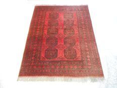 Elegant hand knotted Persian/Afghan carpet elephant feet 200 x 154 cm End of the 20th century